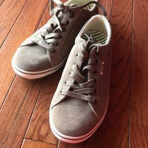 Taos Retro Star suede sneaker